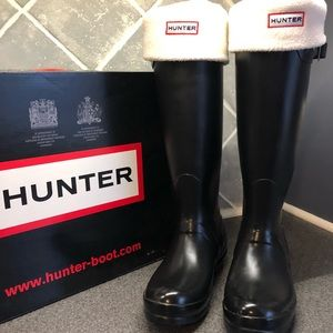 Hunter tall black boots with socks! Size 5 6 6 1/2